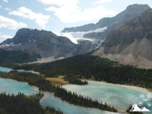 bow-lake-banff-main-iceberg