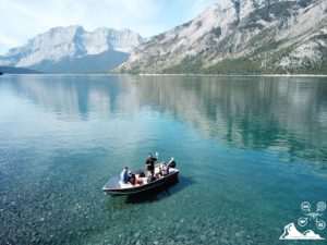 lake-minnewanka-banff-boat